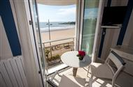 Romantic weekend in the 3 star Hotel Miramar hotel facing the sea, bay Pontaillac Hotel Royan, Charente charming hotel MaritimeRoyan
